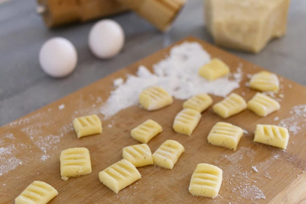 Mit Kartoffelmehl werden Gnocchi glutenfrei.
