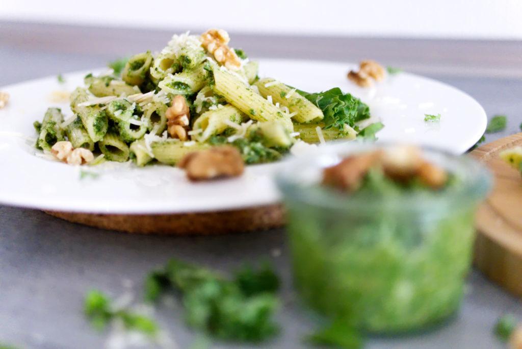 Panama Quadrat: Grünkohl-Pesto hält im Kühlschrank bis zu drei Wochen.