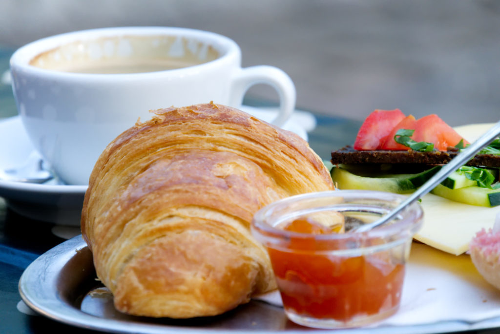 Panama Quadrat: Wochenmarkt - Frühstück bei Dieks Kaffee & Curry