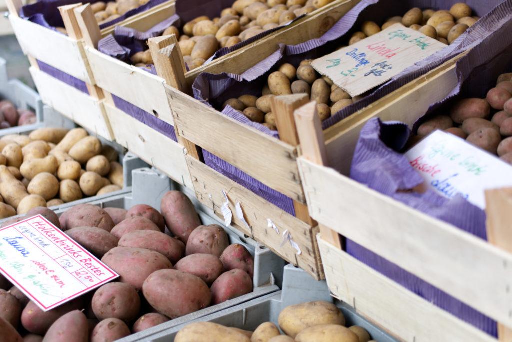 Panama Quadrat: Wochenmarkt – Kartoffeln vom Kartoffelbauern frisch aus dem Münsterland.