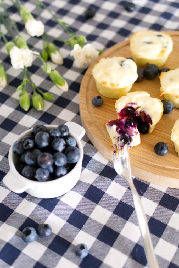 Panama Quadrat: Easy peasy Blaubeer-Quark Cupcakes.