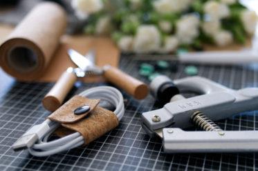 DIY Kabelorganizer aus Korkband | Panama Quadrat
