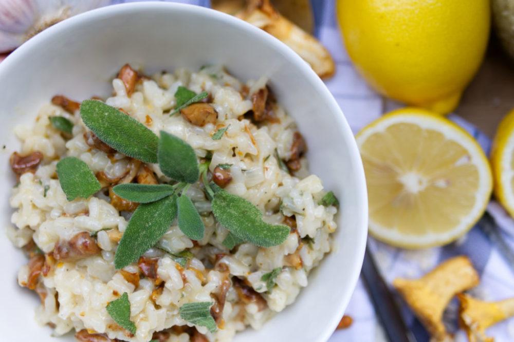 Frische Pfifferlinge, Salbei und ein bisschen Zitrone – das Pfifferling-Risotto schmeckt einfach köstlich | Panama Quadrat