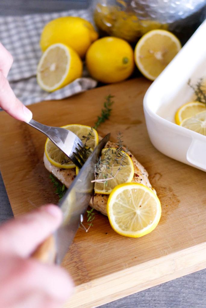 Zitronenhähnchen aus dem Ofen mit Rosmarin und Meersalz | Panama Quadrat