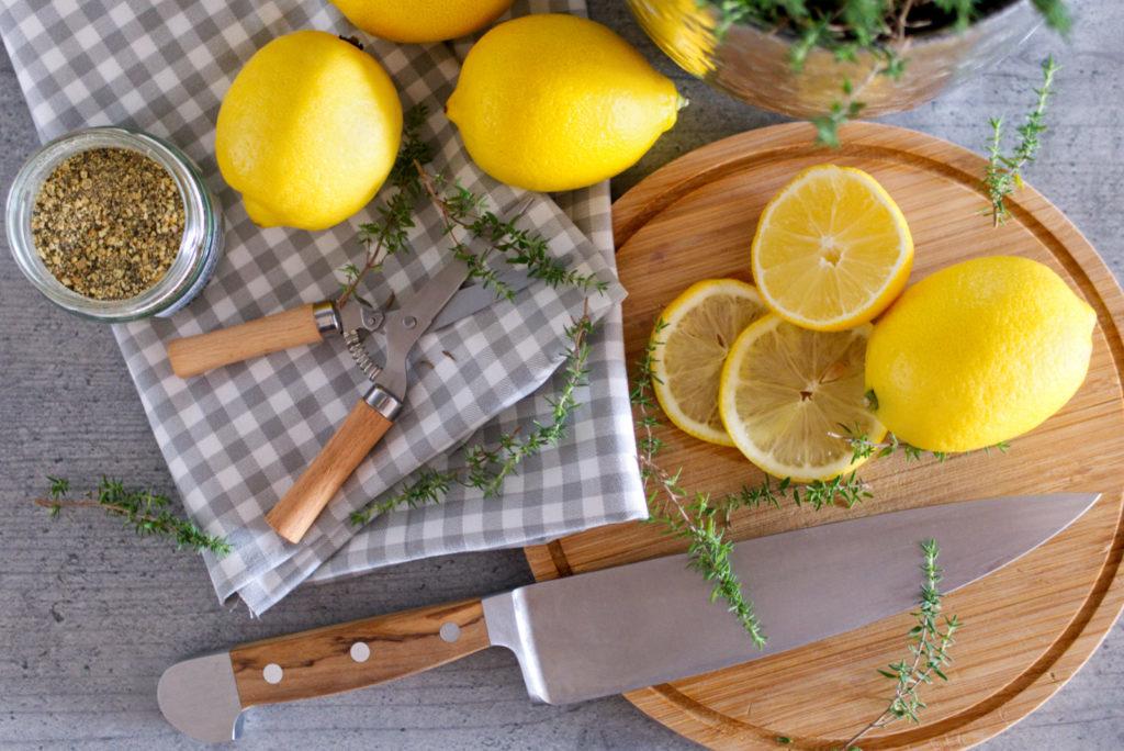 Das Zitronenhähnchen aus dem Ofen kommt wenigen Zutaten aus | Panama Quadrat