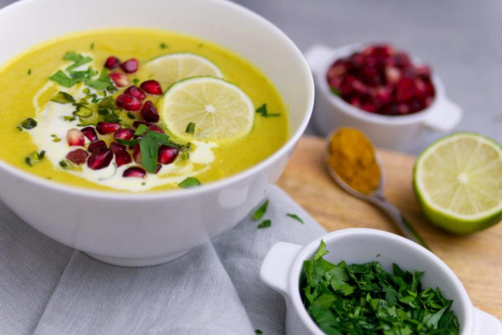 Blumenkohlsuppe | Curry, Granatapfel, Pistazien | Panama Quadrat