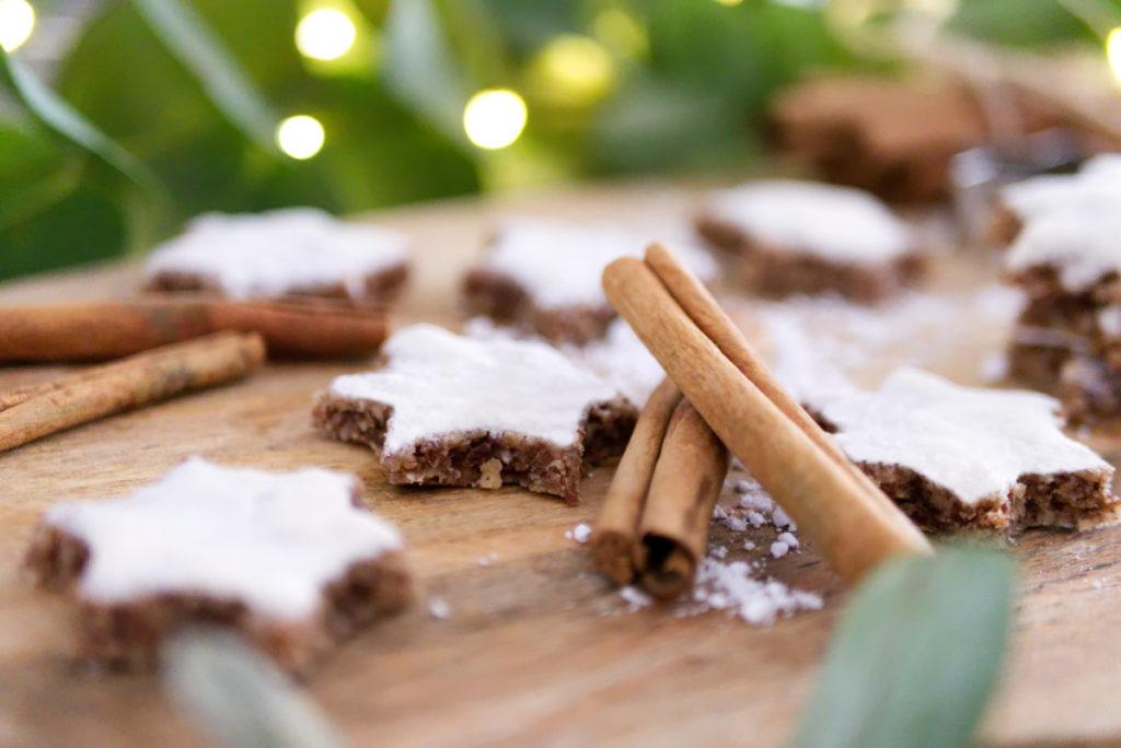 Nussige Zimtsterne | Zimt in der glutenfreien Weihnachtsbäckerei | Panama Quadrat