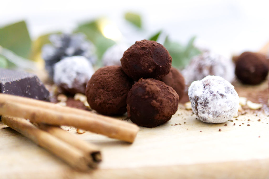 Glutenfreie Weihnachtsbäckerei: Rumkugeln | Einfach lecker | Panama Quadrat