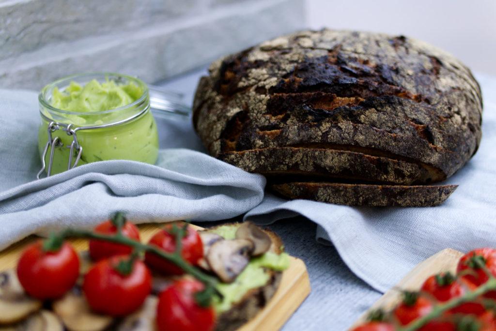 Avocado Brot | Es ist Zeit für gutes Brot | Panama Quadrat