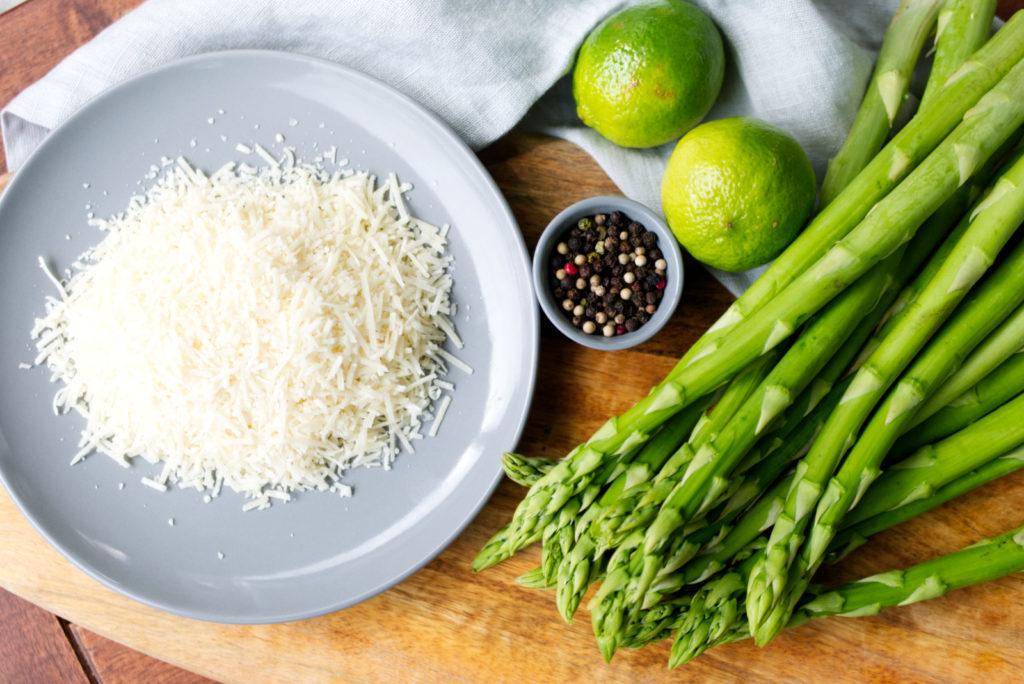 Auf die Plätze, fertig, Pesto! Spargel, Limette, Parmesan, Pistazien | Panama Quadrat