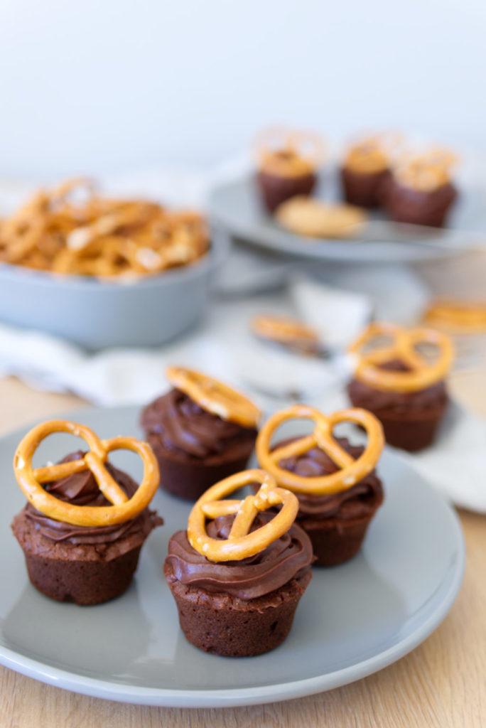 Schoko-Brezel-Cupcakes mit Erdnussbuttercreme – das perfekte Rezept, nicht nur zum Oktoberfest | Panama Quadrat