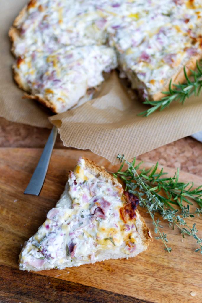 Fladenbrot-Flammpizza: Feierabendküche aus dem Ofen | Panama Quadrat