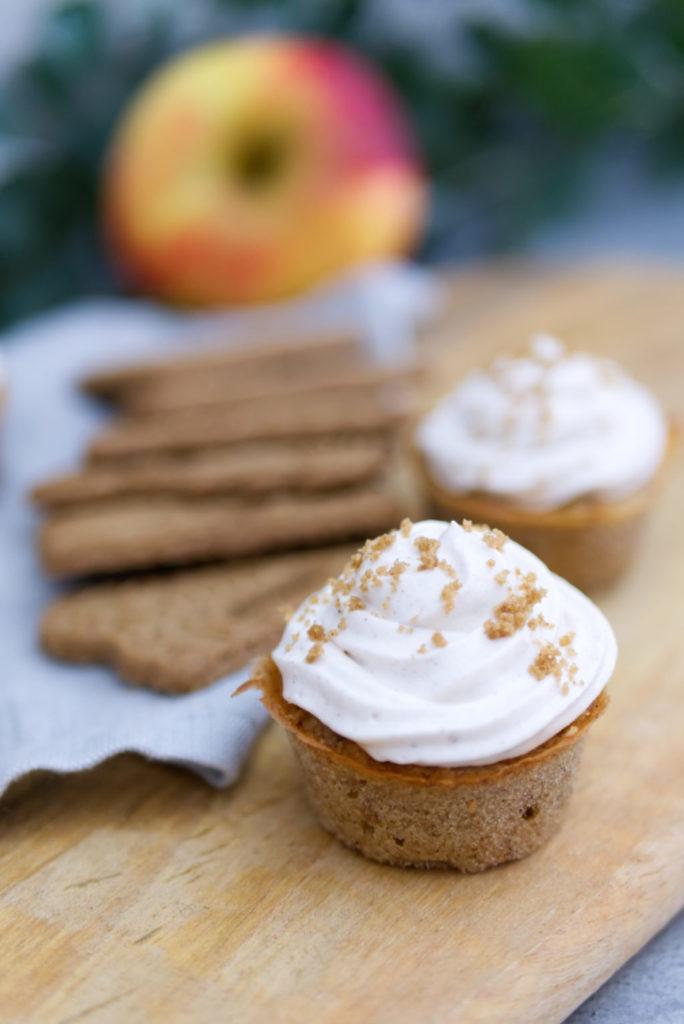 Spekulatius-Cupcakes mit Bratapfel versüßen den Advent | Panama Quadrat
