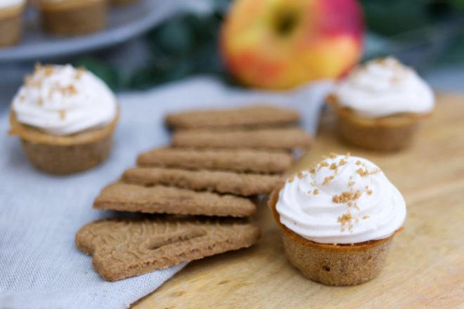 Weihnachtlich lecker: Spekulatius-Cupcakes mit Bratapfel | Panama Quadrat