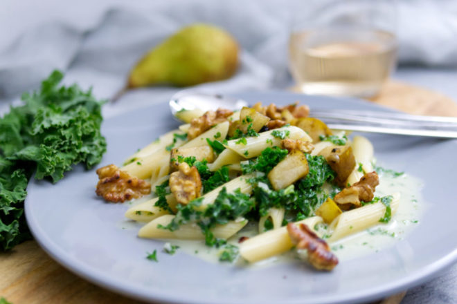 Das Rezept: Grünkohl Gorgonzola Penne mit karamellisieren Birnen und gerösteten Walnüssen   Panama Quadrat