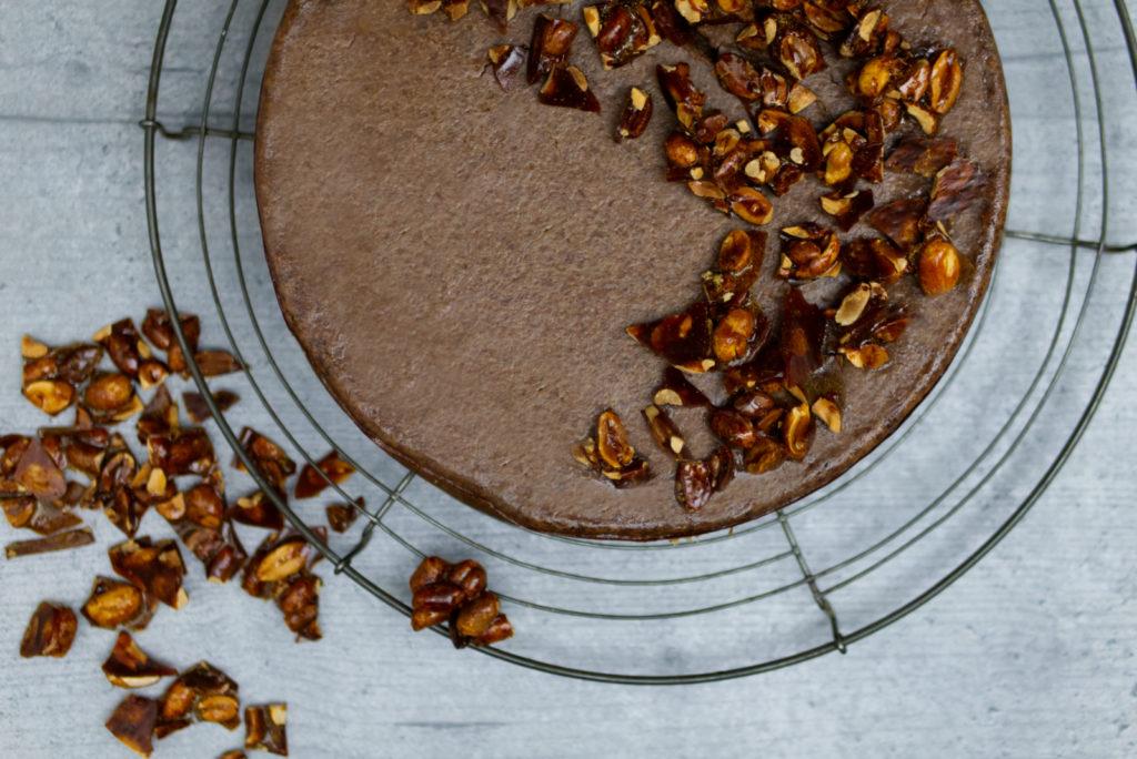 Das Rezept: Chocolate Cheesecake mit karamellisierten Erdnüssen | Panama Quadrat